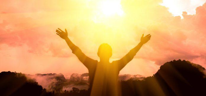 Esperamos confiantes no Senhor