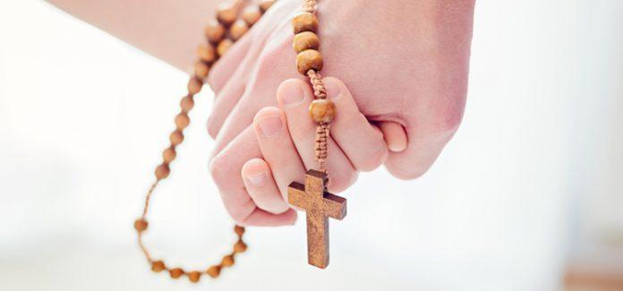 rosário rezar o terço em família