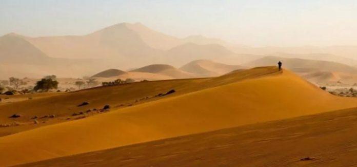 No deserto para enfrentar as forças do mal!
